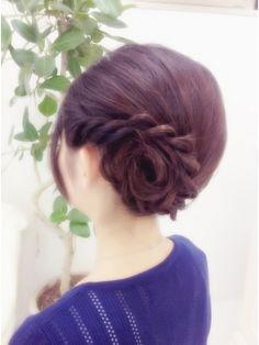 結婚式の髪型(ヘアアレンジ) お花変形夜会巻き