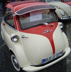 Classic cars: Ford A, BMW Isetta, Opel Kapitan, Singer, Morgan badge