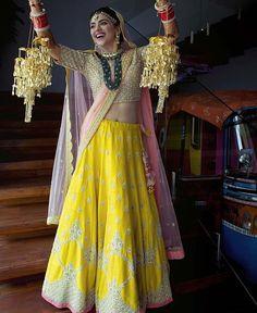 Top Latest Kaleera Designs For Your Wedding - Bridal Kalire Design Indian Bridal Lehenga, Indian Bridal Wear, Indian Wear, Indian Dresses, Indian Outfits, Bridal Jewellery Inspiration, Bridal Jewelry, Bridal Chuda, Sangeet Outfit