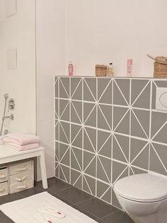 foto mit schultafel klebefolie alte h ssliche fliesen. Black Bedroom Furniture Sets. Home Design Ideas
