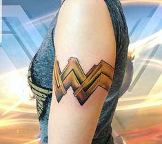 Cuff Tattoo, Tattoo Ideas, Tattoo Designs, Henna Party, Cool Tats, Wonder Woman, Woman Painting, Skin Art, Body Mods