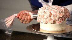 How to Do a Swirl Design | Wedding Cake Decorating