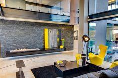 Ber House by Nico van der Meulen Architects     /     Ideas: Poner el cuadro apoyado en el estante.  Llar de foc en el estante
