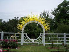 Missouri Botanical Gardens, Chihuly's  glass art !