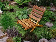 J'ai fabriqué à la main cette chaise riant ruisseau de style classique réalisée à partir de bois de cèdre et de pin, pour offrir un look intemporel et un style avec des couleurs qui se connectent avec la nature et sont agréables à le œil. Ces chaises de cèdre naturel sont faites