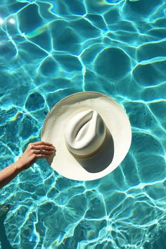 The cool girl's packing list for summer vacation