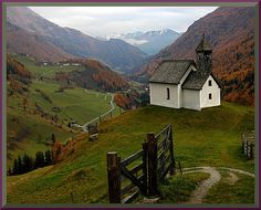 The Vagabond: Austria {austria is one of my favorite places in the whole world} #austria #alps #mountain #visitaustria