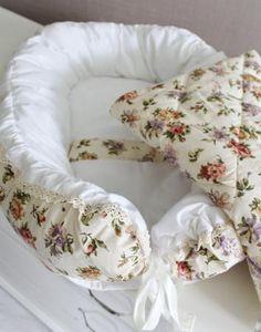 MAMINY ZAPISKY Babynest Комплект ( кокон +одеяло) — 3080р. --- Комплект babynest +подушечка + одеяльце - настоящее уютное гнездышко для Вашей крохи! Абсолютно новая и несомненно полезная вещь в Вашем списке для новорожденного! Кокон прекрасно закрывает младенца со всех сторон и не требует пеленания ребенка, что в свою очередь стимулирует естественное развитие малыша. Он дает возможность спать ребенку в одной кровати с родителями и исключает возможность наврeдить крохе. Сделан из приятной…