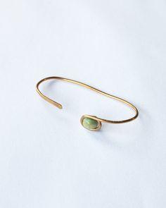 Bague MOO perle de bois fil doré ou argenté par Sara P