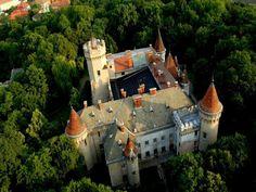 Karoly Castle, Carei, Romania via Turism Romania, Visit Romania, Transylvania Romania, Tourist Places, Eastern Europe, Homeland, Barcelona Cathedral, Building A House, Around The Worlds