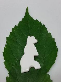 White Magnesite Standing Bear Cabochon by SaiyoStoneJewelry on Etsy