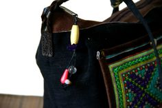 On craque complètement pour ce joli sac à main ancien absolument fabuleux ! Une des plus belles