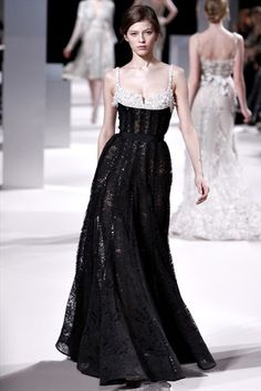 Elie Saab, Spring 2011 Couture #gown #haute_couture #runway