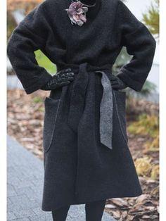 Martika wykrozystała dwustronną wełnę w świetny sposób, szyjąc jesienny płaszcz.