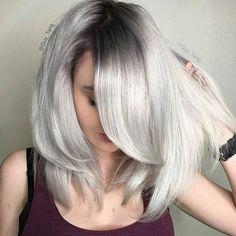 Resultado de imagem para loiro platinado com raiz escura