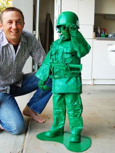 DIY Green Plastic Army Guy costume just like the character in Toy Story! http://www.ivillage.com/homemade-kids-halloween-costumes-army-guy/6-b-139777