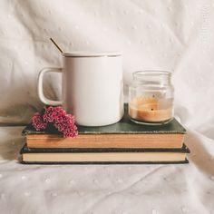 V60 Coffee, Book Nerd, Bath Caddy, Bookstagram, Book Worms, Book Lovers, Coffee Maker, Kitchen Appliances, Cozy