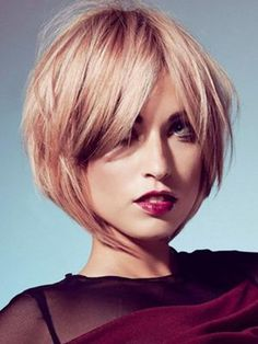 Short Layered Bob Hairstyle for Blond Hair