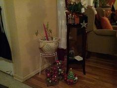 Big ornament balls in wide cylinder vases