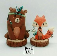 Forest animals 🐻🐺🏹 Made based on an internet design # handcrafted … Tribal Bear, Tribal Animals, Woodland Cake, Woodland Party, Fox Cake, Party Mottos, Christmas Clay, Christmas Bread, Fondant Animals