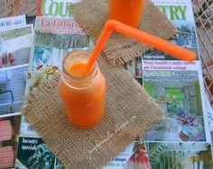"""Succo di frutta gusto """"carota-pesca-limone"""""""