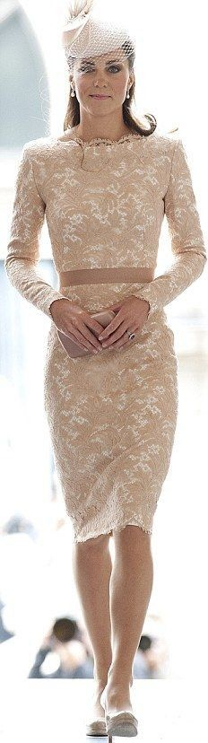 Kate Middleton - lace dress
