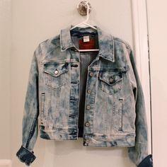 Urban Outfitters • Jean Crop Jacket Light denim jacket ••• Size: Medium but wears a little smaller Urban Outfitters Jackets & Coats Jean Jackets