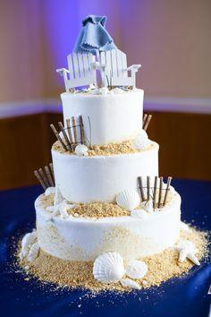A true coastal cake! #OBX #weddings #weddingcake