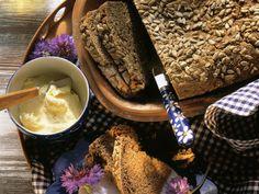 Auch ohne Brotform lässt sich ganz einfach Brot backen! Tontopf-Brot - smarter - Zeit: 6 Std. 20 Min. | eatsmarter.de