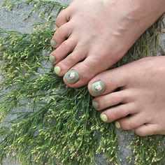 ไอเดียเพ้นท์เล็บเท้าสดใส ดูเซ็กซี่ขี้เล่นแบบสาวเกาหลี IG ddowa_nail Toe Nails, Nail Polish, Feet Nails, Toenails, Nail Polishes, Toe Polish, Polish, Manicure, Nail Polish Colors