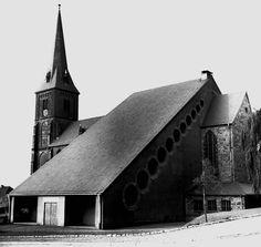 Dominikus und Gottfried Böhm, Püttlingen, Katholische Liebfrauenkirche, 1952-54, Außenansicht. Foto: LPM, Saarbrücken-Dudweiler