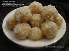Khadija is in the Kitchen: BISCUITS FONDANTS À LA NOIX DE COCO (CUISINE MAROCAINE) / MELT-IN-MOUTH COCONUT COOKIES (MOROCCAN CUISINE)/ GALLETAS FUNDENTES DE COCO (COCINA MARROQUÍ)