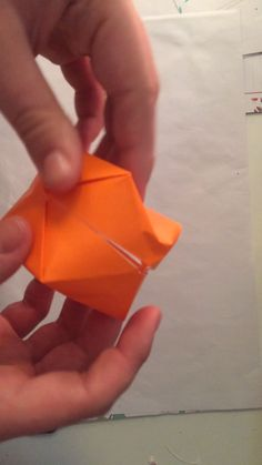 Tutoriel de pliage de papier Cube soufflé – Origami Community : Explore the best and the most trending origami Ideas and easy origami Tutorial Diy Origami, Origami Cube, Origami Tutorial, Origami Folding, Paper Box Tutorial, Origami Ball, Paper Folding Crafts, Paper Crafts Origami, Paper Crafting