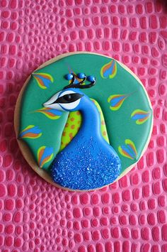 Peacock Cookie... Need these for the bridal shower! =)