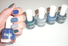 #FNUG multi coloured manicure - thumb/col Runway, forefinger/col Cult Look, middle finger/col Bandana, ring finger/col Urban Look and little finger/col Peace Sign.
