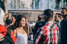 Evento promove 'conexão humana' com troca de olhares entre desconhecidos