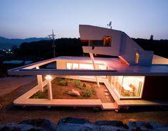 villa s mahal - south korea moon hoon Zen House Design, Pool House Designs, Unique House Design, Modern Design, Japanese Home Decor, Asian Home Decor, Japanese House, Amazing Architecture, Interior Architecture