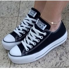 Where are you in love with all star? Want to learn how to dress Cute Sneakers, Shoes Sneakers, Shoes Heels, Swag Shoes, Converse Shoes, Black Converse, Diy Converse, Converse Logo, Custom Converse