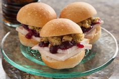Thanksgiving Leftover Sliders – Rhodes Bake-N-Serv Put a twist on your leftovers with these tasty sliders! Thanksgiving Leftovers, Thanksgiving Recipes, Holiday Recipes, Thanksgiving Traditions, Holiday Party Appetizers, Nutritious Snacks, Bread Bowls, Leftovers Recipes, Avocado Recipes