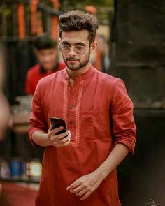 Romantic Couple Images, Couples Images, Romantic Couples, Diwali Dresses, Sanam Puri, Guitar Photography, Pop Rock Bands, Handsome Actors, Girls Dpz