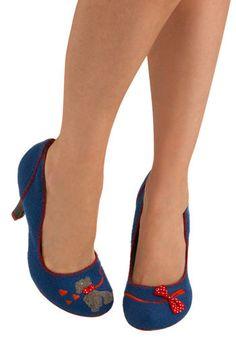 The To-Toes Heel, Modcloth - retro women's shoes - Scotty dog shoes Pretty Shoes, Cute Shoes, Me Too Shoes, Unique Shoes, Shoe Boots, Shoes Sandals, Shoe Bag, Puppy Shoes, Irregular Choice Shoes