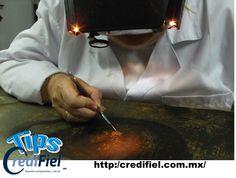 TIPS CREDIFIEL te comenta. Sobre un negocio rentable.  Remodelación de antigüedades: Este es una de las ideas de negocios rentables perfecta para los amantes de antigüedades. Compra antigüedades que no estén en buen estado y en casa invirtiendo un poco de tiempo y con el cuidado necesarios podrás transformar esos artículos antiguos en algo increíble y luego revendelos con ganancias. En México este mercado va a la alza. http://www.credifiel.com.mx/