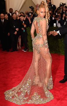 Beyoncé Shows Up Late To The Met Gala, Still Turns All Heads in Revealing Dress | Vanity Fair