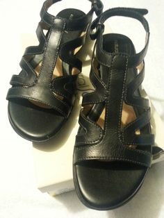 Check out New NaturalSoul by Naturalizer Clover sandals size 10 Black #Naturalizer #Strappy http://www.ebay.com/itm/-/131261083409?roken=cUgayN via @eBay