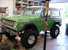 This is one mean green machine. Early Bronco's will live forever and this color makes them look beast!