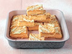 RESEP: Outydse vlaskywe in die mikrogolfoond Custard Slice, Cream Crackers, Cookie Recipes, Dessert Recipes, Great Recipes, Favorite Recipes, Microwave Recipes, No Bake Cake, Food For Thought