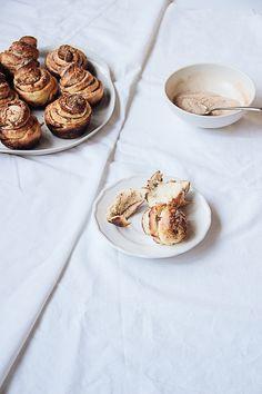 ... star anise, cardamom & cinnamon buns ...
