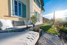 Wörtherseearchitektur-Villa mit überwältigendem Panorama-Seeblick und Seezugang Outdoor Sectional, Sectional Sofa, Outdoor Furniture, Outdoor Decor, Villa, Patio, Home Decor, Objects, Real Estates