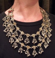India | Double row silver and molten glass necklace from Luchnow (Uttar Pradesch) | 660€