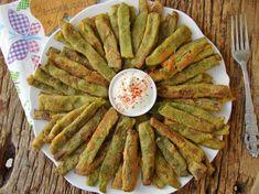 Mısır Unlu Taze Fasulye Kızartması Nasıl Yapılır? Pesto, Yogurt, Food And Drink, Chicken, Breakfast, Desserts, Recipes, Waffles, Roman